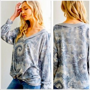 Sultry💙soft blue/cream tie-dye top-Must have!